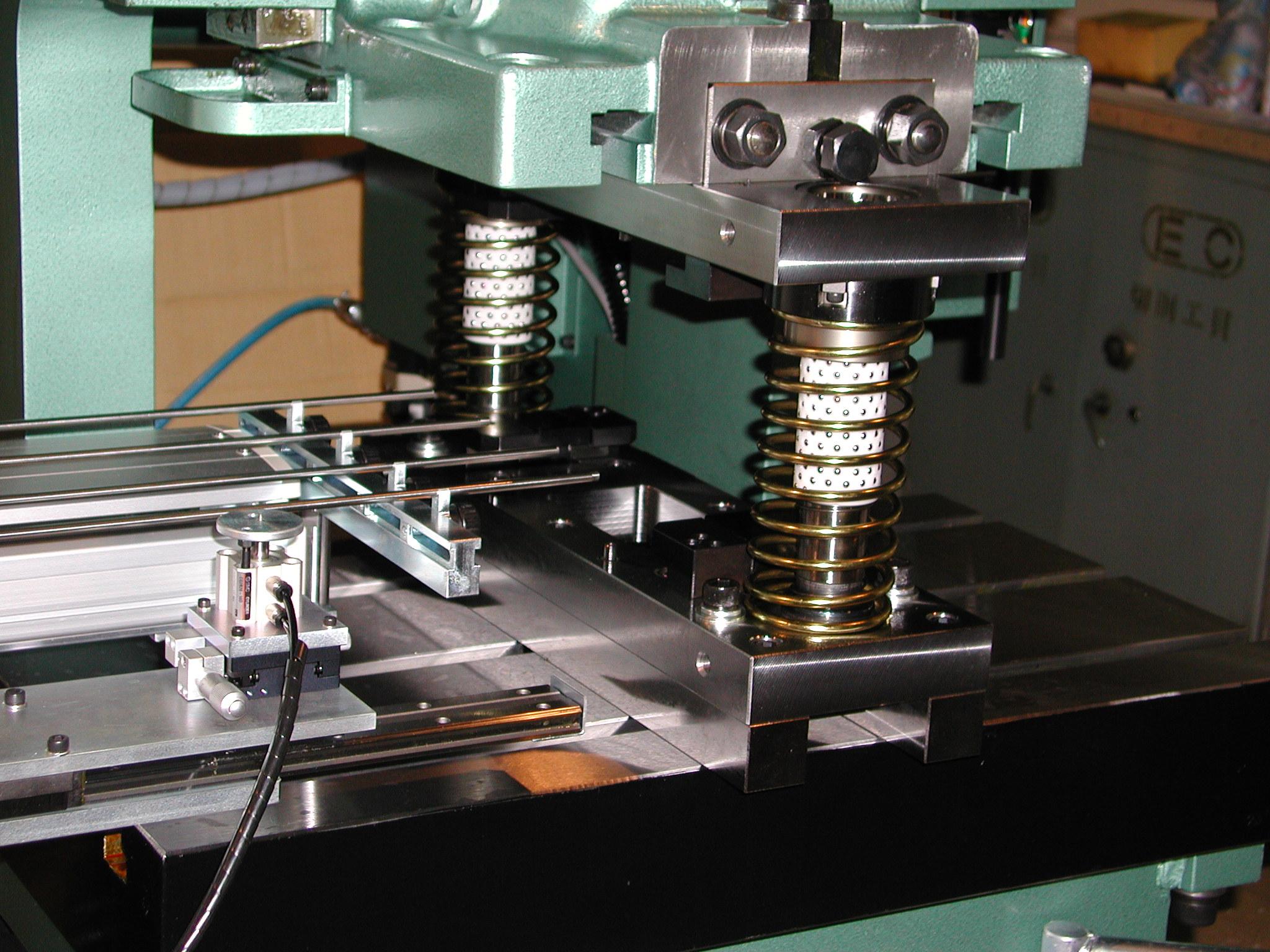 銘板ロボ 2軸送り装置