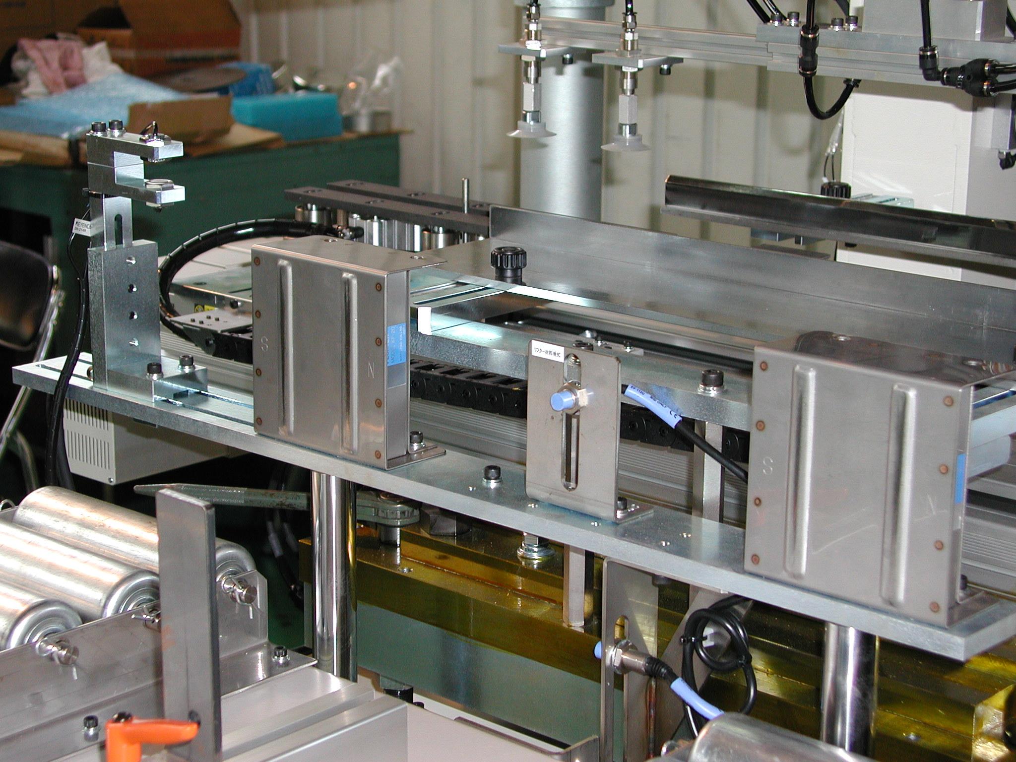 製缶プレス自動送り装置 クランプ式平行2軸NC制御 供給3軸仕様